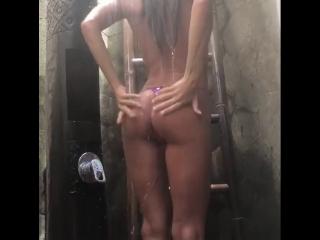 Моя жена при съемке домашнего секс видео.
