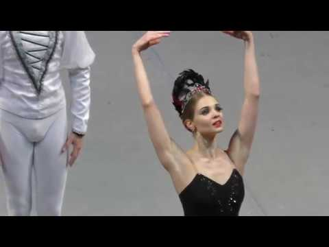 Swan Lake Act II: Vorontsova and Latypov. Odile's entrance, Adagio and Siegfried variation