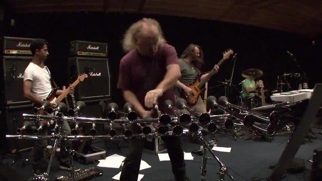 Bill Bailey's message to Metallica...☺