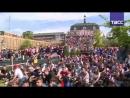 Французские болельщики смотрят матч Франция — Перу