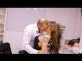 Елена Беркова снялась в откровенной рекламе для мужчин