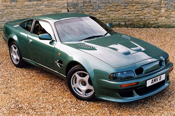 Aston Martin V8 Vantage V600 Сегодняшний Aston Martin похож на Джеймса Бонда, что совсем не удивительно. Он такой же симпатичный, аккуратный и вежливый. Однако было время, когда английскому
