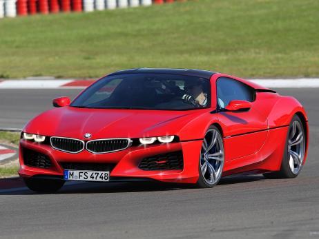 MW не станет смешивать линейки i8 и горячие эмки «Уже сейчас разобраться в модельном наполнении линеек BMW крайне сложно», - пишет Сarscoops.com о тенденции баварцев добавлять новые