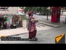 Ազգային տարազով հնդիկը հնդկական տոնավաճառ է հրավիրում երևանցիներին