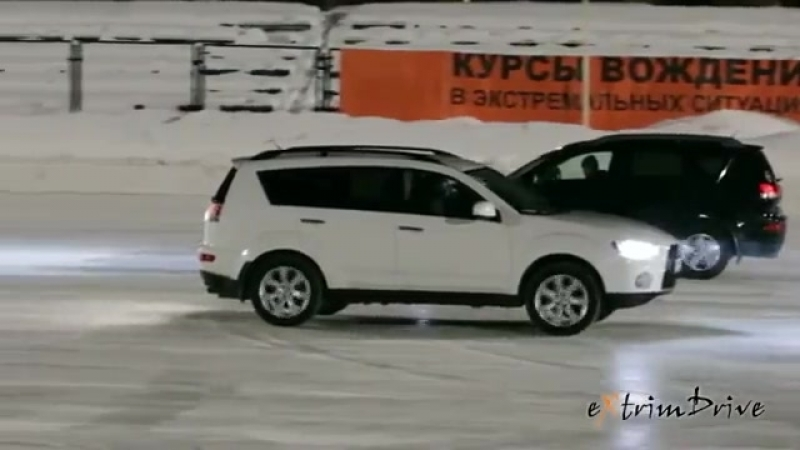 АвтоФигурное Катание. Танец машин и фигуристов на льду.