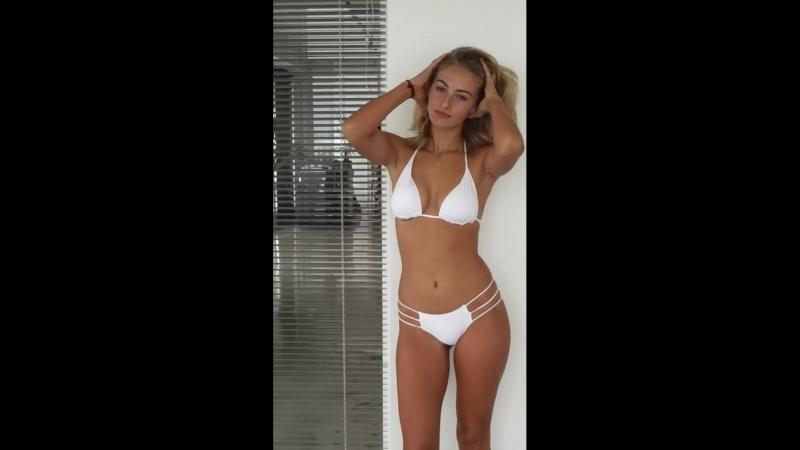 Красивая блондинка позирует, модель (не: порно, домашнее частное русское, секс, минет, porno, анал, топ, голая)