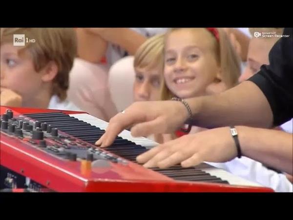 Fabrizio Moro - Non Mi Avete Fatto Niente (RAIUNO) Tutti a Scuola