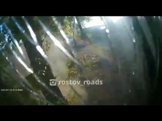 Видео момента аварии с участием Форда и Автобуса на Левом берегу - 29.08.18 - Это Ростов-на-Дону!