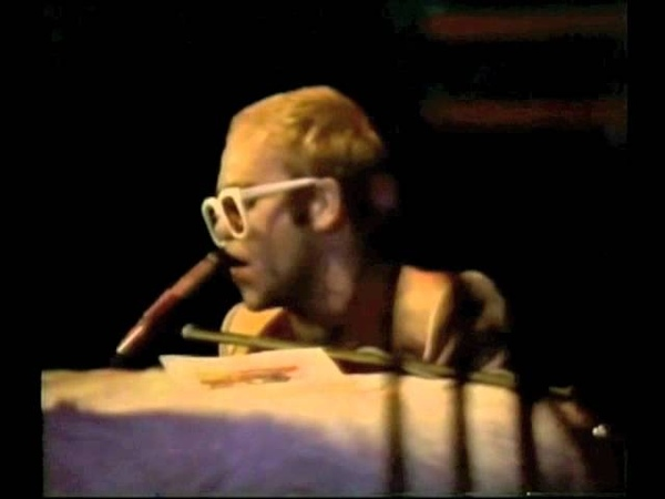 Elton John - Island Girl (1976) Live at Earls Court, London