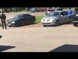 В центре Иваново внезапно загорелась газель, проезжавший мимо водитель ассенизаторской машины решил помочь и начал тушить содерж