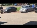 В центре Иваново внезапно загорелась газель проезжавший мимо водитель ассенизаторской машины решил помочь и начал тушить содерж