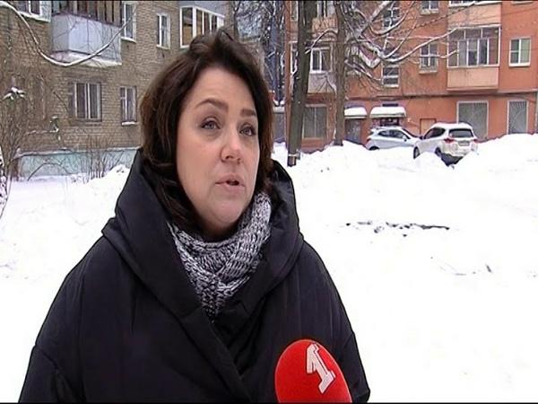 Коммунальщики проломили балкон на Свердлова
