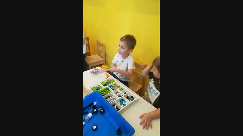 Робототехника в детском садике 7 гномов