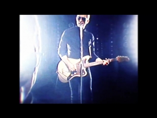 Noel Gallagher's High Flying Birds - She Taught Me How To Fly (Official Video)