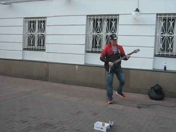 17 10 2018 old arbat street 02 рок гитара rock gitar fire play