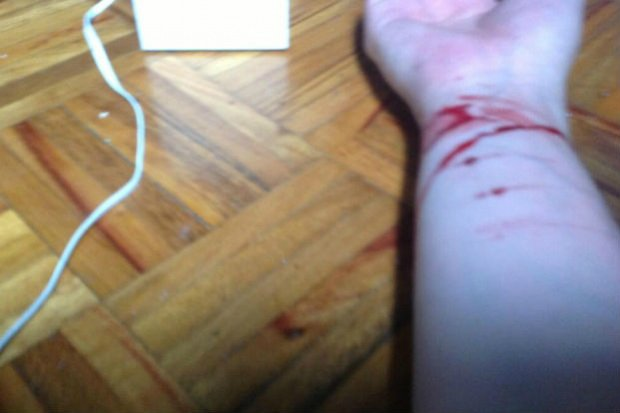 В Мариуполе школьница хотела совершить суицид