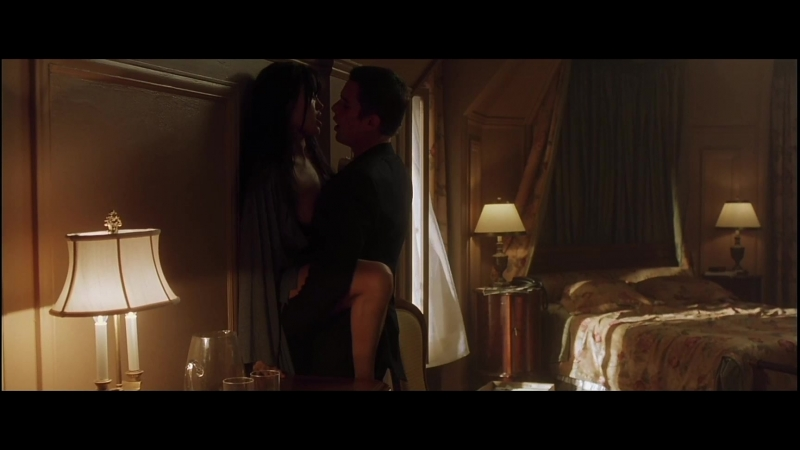 В фильме присутствует сексуальная сцена на кухне статья