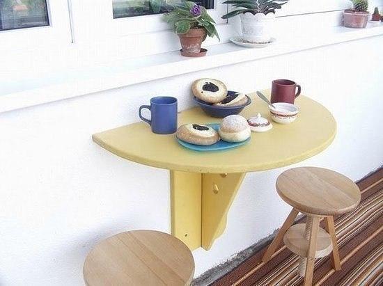 Самодельный складной столик для балкона.