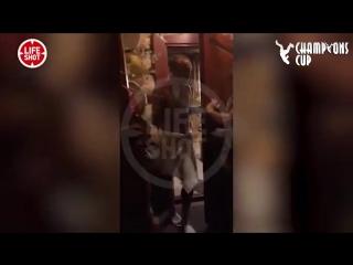 Жена застукала Глушакова в бане с другой девушкой