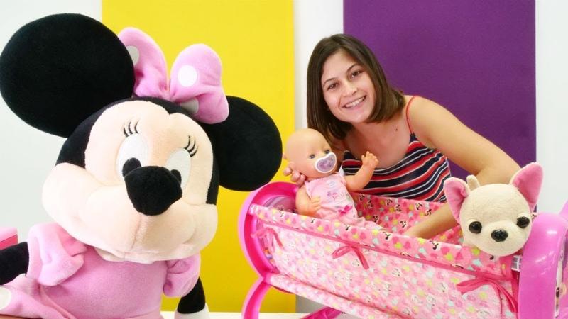 Minnie Mouse bebek Güle yeni beşik getiriyor!