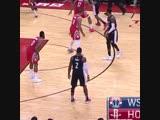 Джон Уолл во время игры простоял неподвижно более 10 секунд