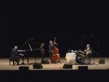 Eddie Higgins Trio - Autumn leaves