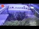 Парень упал с моста на автомобиль в Геленджике мост к Сафари парку