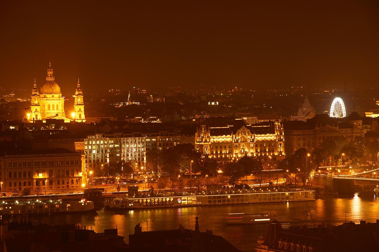 Вечерний Будапешт Святого, берег, парламента, Рыбацкий, венгерского, Здание, любуйтесь, ностальгируйте, бастион, Правый, Церковь, Матьяша, Иштвана, Маргит, Венгрии, Базилика, левый, столицы, снимал, черте