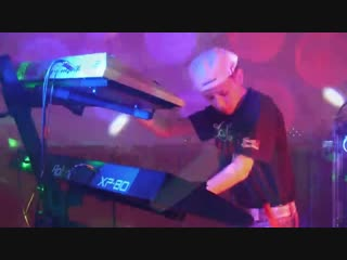 Popcorn Kingsley Hot Butter (Dance Mix) live performed by Tom Bergner