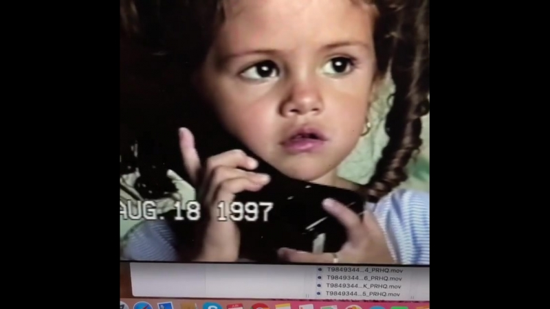 Мэнди Тифи в «Instagram»: «@/selenagomez talking to me on the phone when I was at work asking about her day at school. My sassy,
