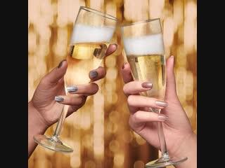KIKO_Sparkling_Holiday_hand_champagne_077