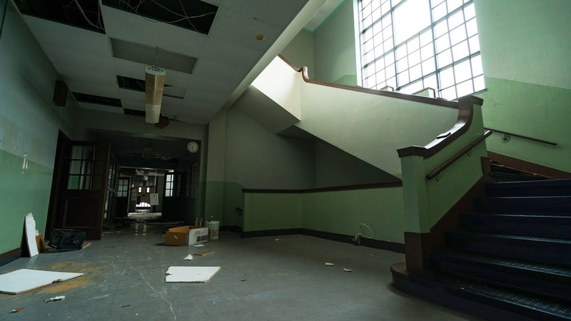Exploring an Abandoned Middle School