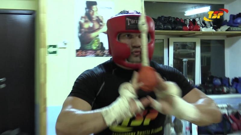 Тренировка Евгения РОМАНОВА в школе бокса