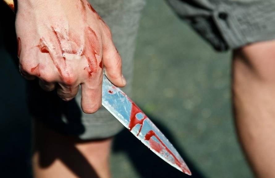 Пьяный 33-летний таганрожец зверски забил ножом двух пожилых женщин и одного мужчину ранил