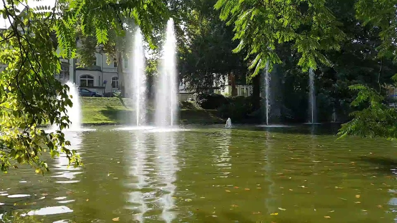 Городской парк Бохум Германия Мы с внуком фонтаны уточки