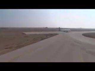 Русские боевые вертолёты прикрывают взлет пассажирских самолетов в аэропорту Дамаска