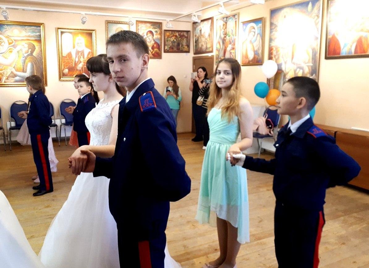 """московские кадеты на бале """"Красная горка"""" в клубе """"Сфера"""""""