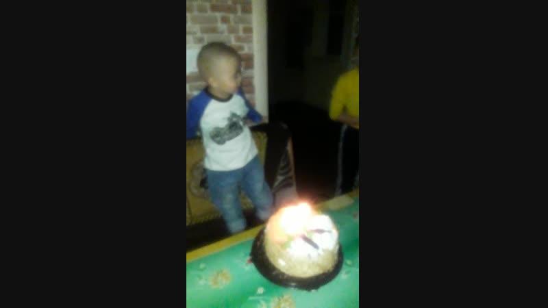 День рождения Искандера