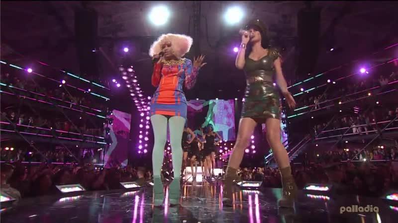 Nicki Minaj Katy Perry - Girls Just Want To Have Fun ( Шоу «Divas Salute The Troops», 2010) (HD качество)