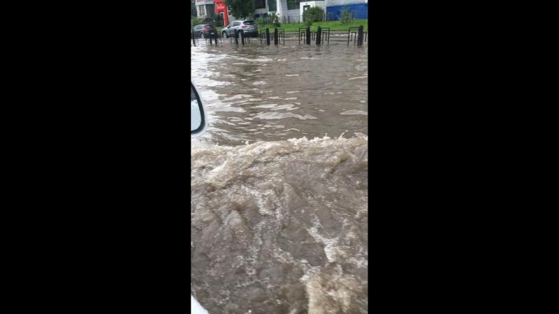 Так мы фанеру везли. Как на зло ещё и весь город затопило.