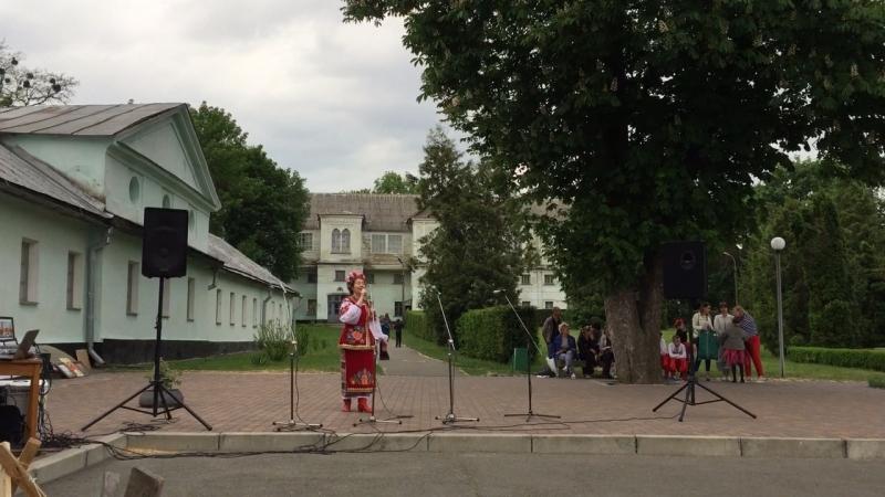 «Петрівка» Співає Леся Даценко