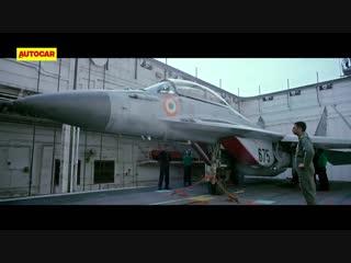 DRAG RACE: Lamborghini Huracán Performante vs Indian Navy MiG-29k