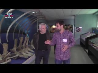 Знаменитый югославский и сербский киноактер Гойко Митич посетил Донецкий краеведческий музей.