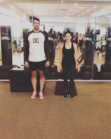 """Sunny Leone on Instagram: """"Part of leg day with the beast @lian_wentzel and by the way this was so hard...had to do it 4times with weights and then..."""