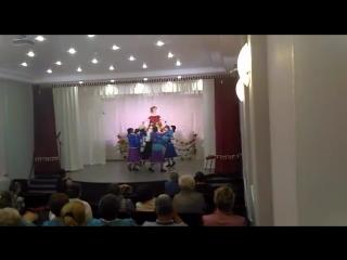 Конкурс красоты для бабушек. Ирина Дмитриевна Денк в танце