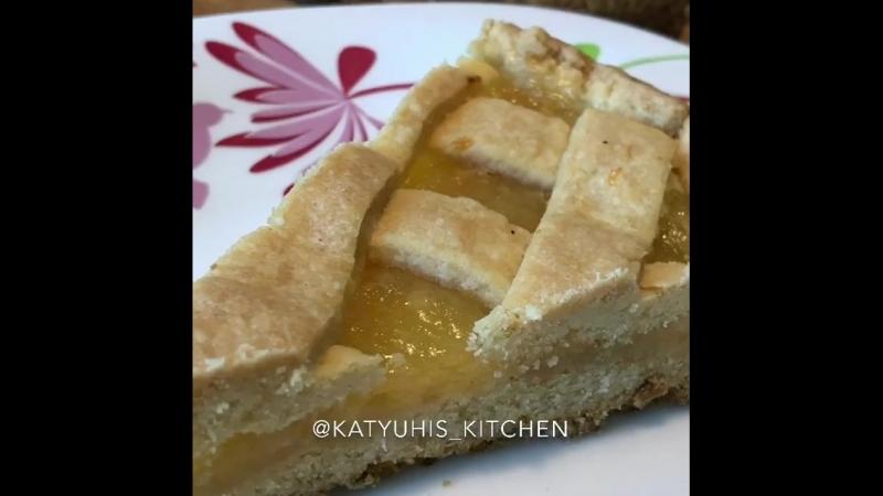 Открытый лимонный пирог