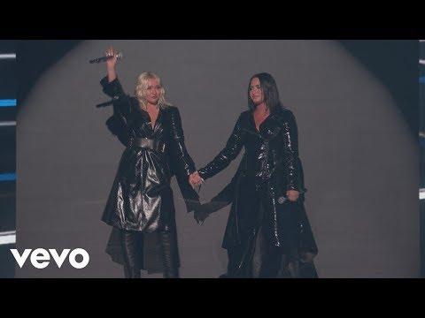 Christina Aguilera - Fall In Line ft. Demi Lovato Live on