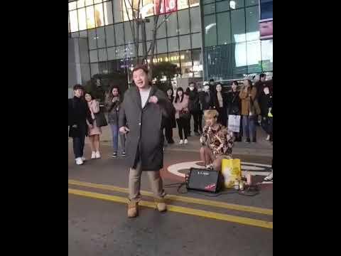 신촌 레드크루와 함께한 소녀시대의 Gee