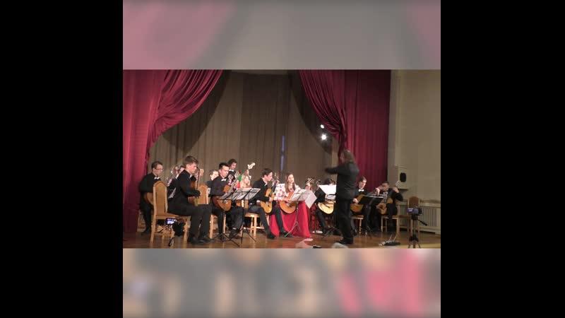 Музыкальная тема из к/ф «Пираты Карибского моря» в исполнении «Санкт-Петербургского гитарного оркестра»