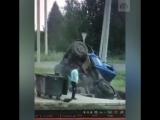 Ассенизаторская машина провалилась под землю на канализационной станции